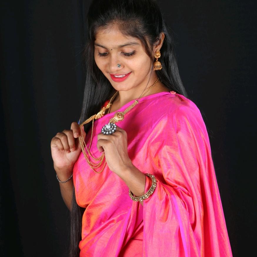 Priya_Anchor_pavi TikTok