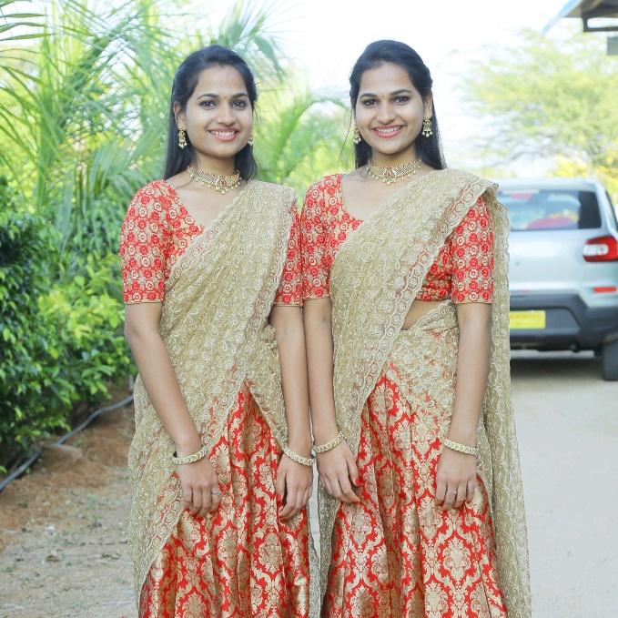 twingirls_jananijoshna TikTok