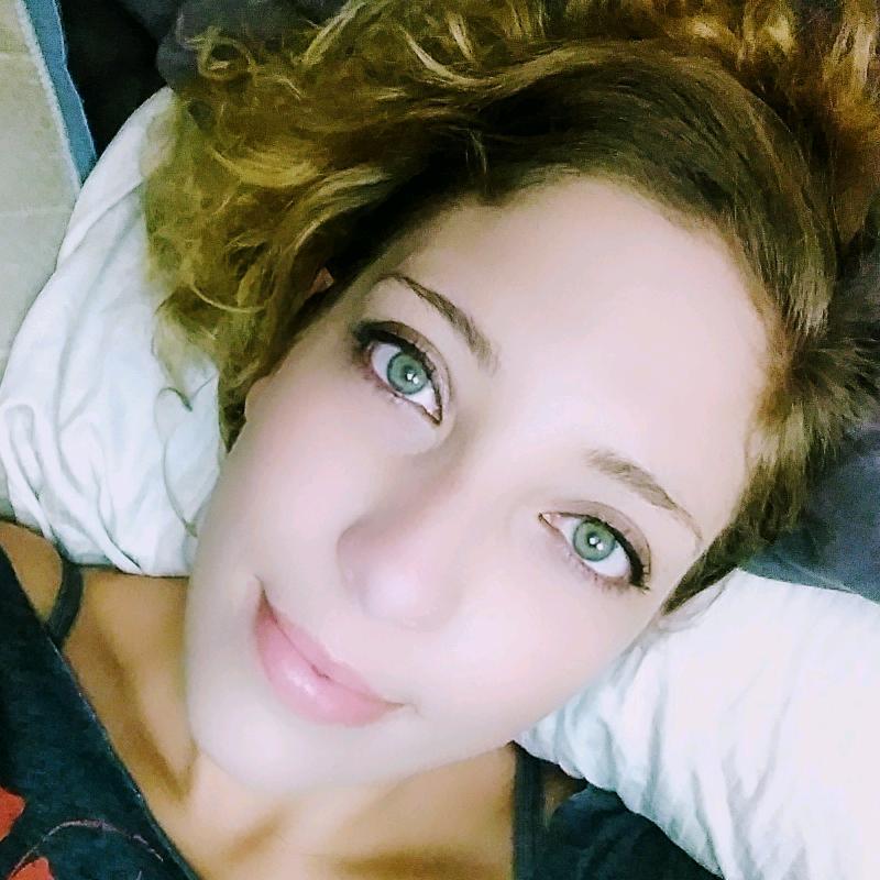 green-eyed girl TikTok